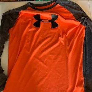 Under armour loose fit long sleeve